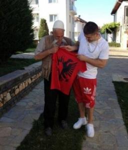 Noizy viziton familjen Jashari