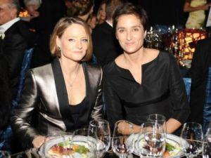 Aktorja Jodie Foster martohet me të dashurën e saj
