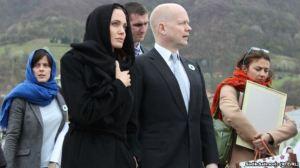Britanikët i japin titullin e Damës, Angelina Jolies