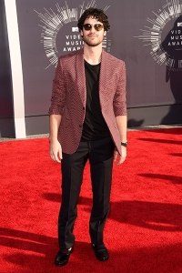 2014-mtv-vmas-darren-criss-billboard-400