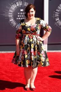 2014-mtv-vmas-mary-lambert-billboard-400