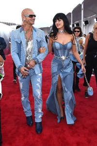 2014-mtv-vmas-riff-raff-katy-perry-billboard-400