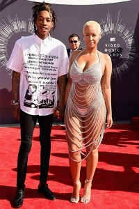 2014-mtv-vmas-wiz-khalifa-amber-rose-billboard-400